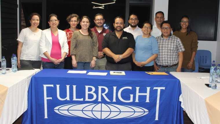Guatemaltecos becarios de 2019 de varios programas de educación de Estados Unidos. (Foto: embajada de Estados Unidos en Guatemala)