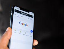 Diferentes herramientas de Google ayudan al ayudan al motor de búsqueda a entender mejor lo que el usuario está buscando. (Foto Prensa Libre: Solen Feyissa en Unsplash).