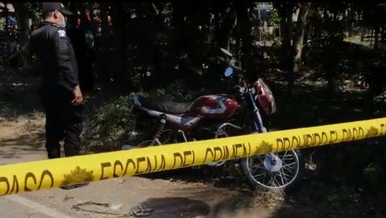 Los detenidos fueron trasladados a la subestación policial para luego ponerlos a disposición de un juez. Foto Prensa Libre: Captura de vídeo.