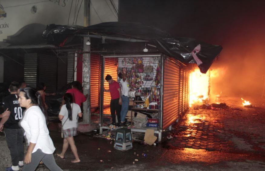 Incendio en mercado de artesanías de Esquipulas deja unos Q2 millones en pérdidas