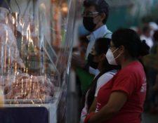 Salud ha insistido en mantener las medidas de prevención por el covid-19. (Foto Prensa Libre: Esbin García)