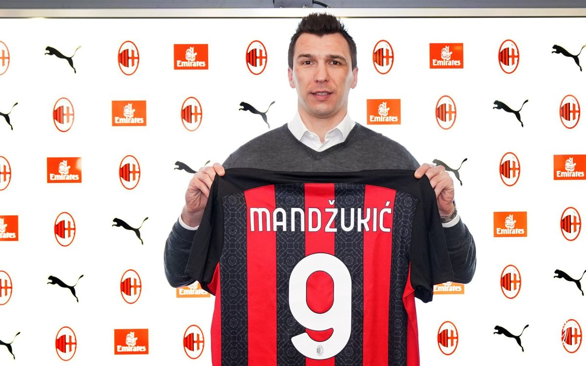 """Mandzukic desafía a la """"maldición"""" del 9 del AC Milan"""