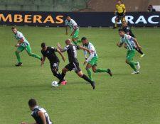Antigua GFC y Comunicaciones empataron a cero en el juego de ida de cuartos de final del Torneo Apertura 2020. (Foto Prensa Libre: Érick Ávila)