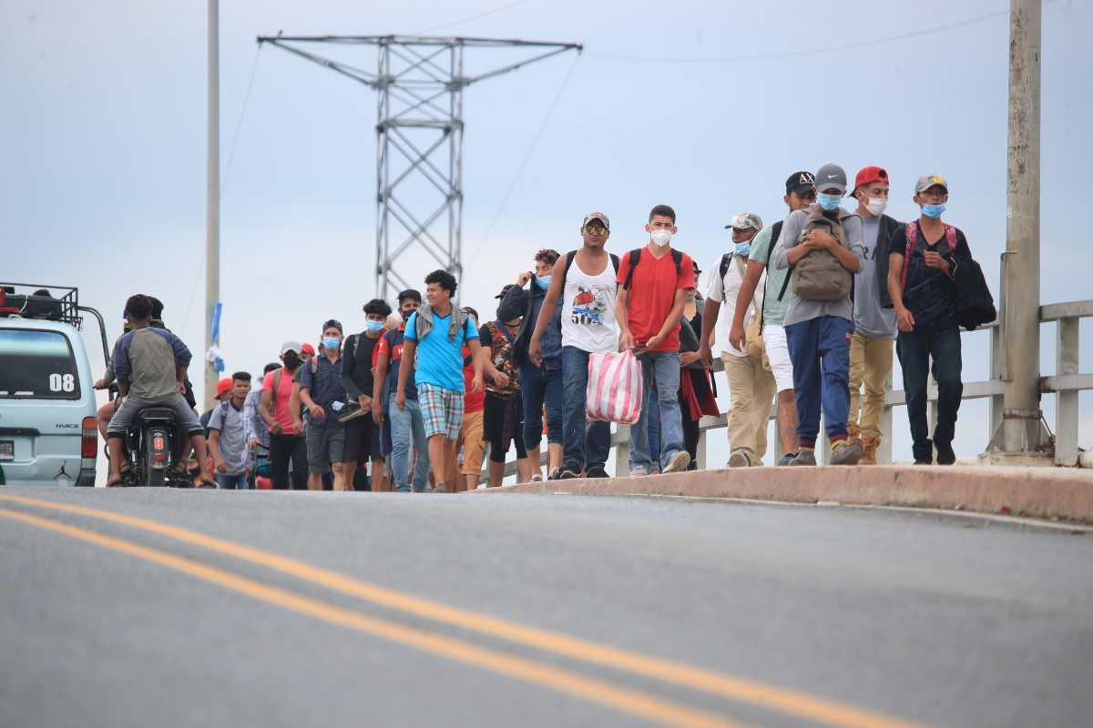 EE. UU. insta a hondureños a no migrar por riesgos de la pandemia y peligros en las fronteras