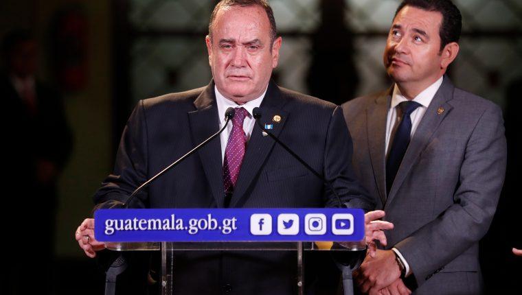 El primer año de gobierno llevó la popularidad de Giammattei en picada