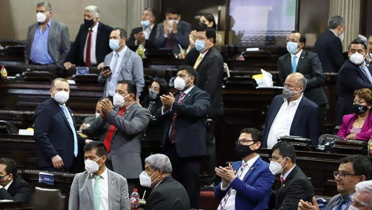 Diputados en una sesión de aprobación del presupuesto de 2021. (Foto: Hemeroteca PL)