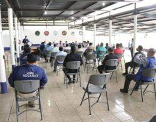 Gestores y autoridades lograron acuerdos para retomar actividades de comercio exterior en la Empornac y Puerto Barrios. (Foto Prensa Libre: Dony Steward)