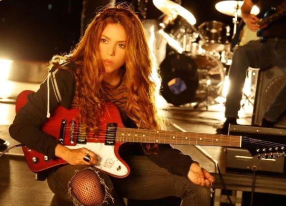 Shakira se suma a una larga lista de artistas que están vendiendo sus temas. (Foto Prensa Libre: EFE)