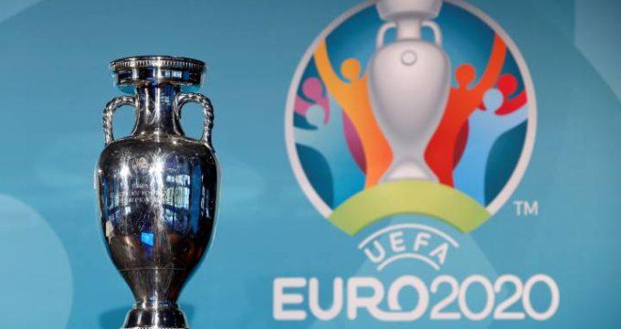 Presidente del futbol suizo ve difícil mantener la aplazada Eurocopa 2020 en doce países y con público