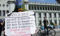 Colectivos piden justicia por muerte de mujeres. (Foto Prensa Libre: Esbin García)