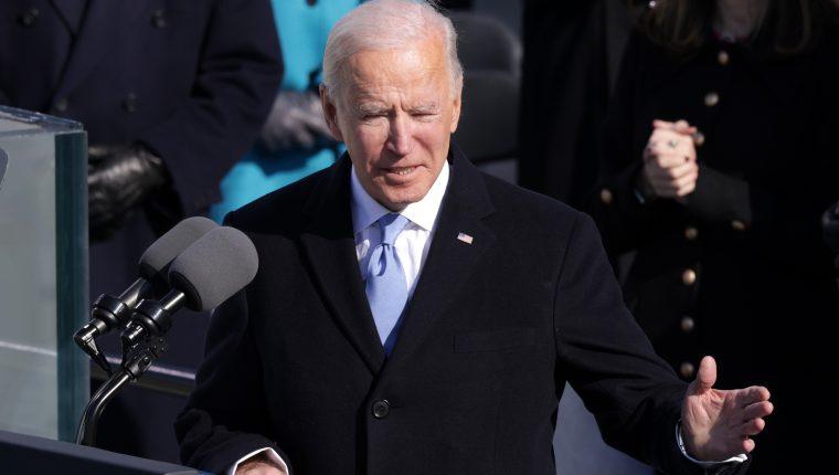 """Biden ordena proteger a los """"soñadores"""" y parar de construir muro con México. (Foto Prensa Libre: AFP)"""