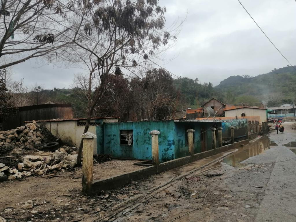 Campur: agua desciende y familias regresan a vivir a la comunidad que Eta e Iota convirtieron en laguna