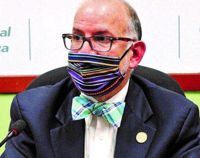 El médico Edwin Asturias estuvo dirigió durante siete meses la Coprecovid, que culminó funciones el pasado 31 de diciembre. (Foto Prensa Libre: Hemeroteca PL)