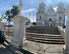 La Basílica del Cristo Negro de Esquipulas permanece cerrada para prevenir casos de coronavirus. (Foto Prensa Libre: Elizabet Hernández)
