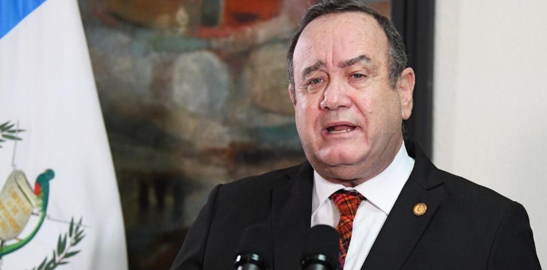 Giammattei anuncia una reducción del presupuesto 2021 por Q13 mil 388 millones