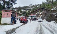 Así lucía la carretera de Tacaná, San Marcos, por la granizada que cayó este 5 de enero de 2021. (Foto Prensa Libre: Wilmar Arreaga)