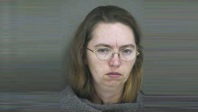 Montgomery, de 52 años, ha estado encarcelada durante 16 años después de que mató a una mujer embarazada para robar su feto. (Foto Prensa Libre: AFP)