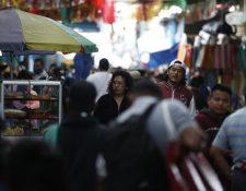 Autoridades han advertido de que el relajamiento de las medidas sanitarias incrementan el número de contagios en el país. (Foto Prensa Libre: Esbin García)