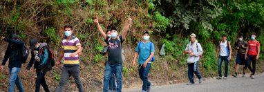 Al menos otros 3 mil hondureños ingresaron el sábado 16 de enero a Guatemala rumbo a EE.UU. (Foto Prensa Libre: AFP)