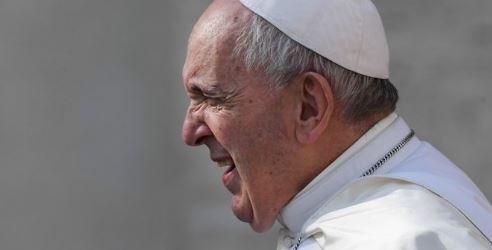 El papa Francisco establece que mujeres puedan acolitar, dar la comunión y leer palabra de Dios