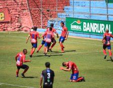 José Carlos Martínez anotó al minuto 89 el gol que le dio a Municipal la clasificación a la final del Torneo Apertura 2020. (Foto Prensa Libre: Carlos Hernández)