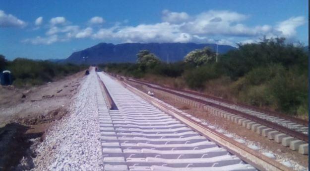 Las obras para varios proyectos de tren ya comenzaron en México. (Foto: Twitter/@caballeroJulia5