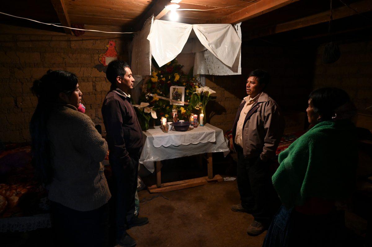 Sin cuerpos y sin esperanzas: un velorio de migrantes que llena de dolor y trunca los sueños en Comitancillo