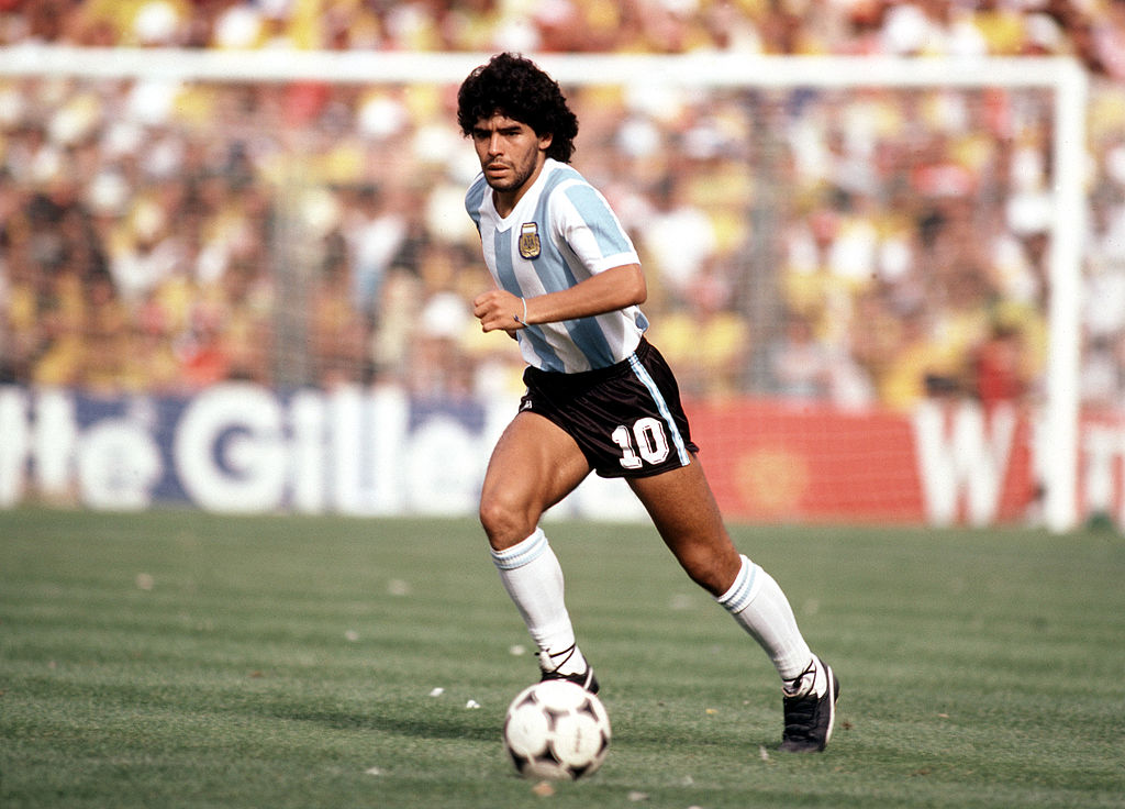 """Exesposa de Maradona dice que el campeón del mundo estaba """"secuestrado"""" por su abogado"""