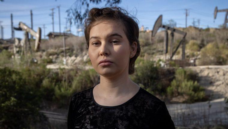 Nalleli Cobo creció a pocos metros de un pozo petrolero en Los Ángeles. (CHRISTIAN MONTERROSA)