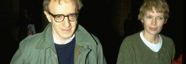 Woody Allen y Mia Farrov tuvieron una relación de 12 años que terminó de forma abrupta en 1992. (GETTY IMAGES)