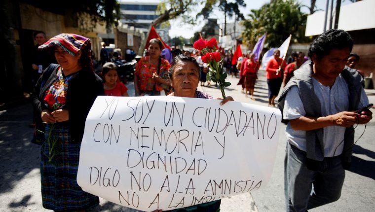 Manifestaciones ciudadanas en 2019 a propósito de la amnistía en discusión en el Congreso. (Foto Prensa Libre: Hemeroteca PL)