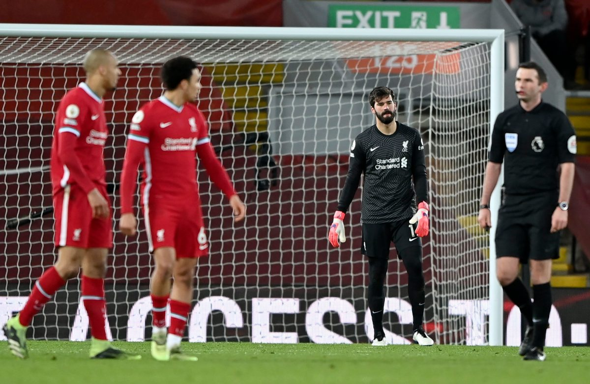 Portero Alisson Becker, el villano en la derrota del Liverpool