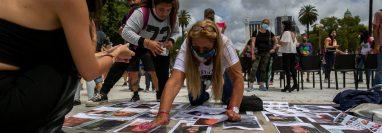 Familiares y amigos de Úrsula exigen justicia en Buenos Aires. (Foto Prensa Libre: EFE)