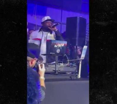 50 Cent recibe críticas por su concierto con gente sin mascarillas previo al Super Bowl