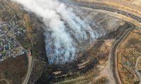 El incendio en el vertedero de Amsa causó una gran contaminación del ambiente a finales del 2020 y principios del 2021. (Foto Prensa Libre: Conred)