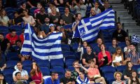 Australianos disfrutan un evento deportivo sin mascarillas ni distanciamiento debido a la falta de riesgo. (Foto Prensa Libre: AFP)