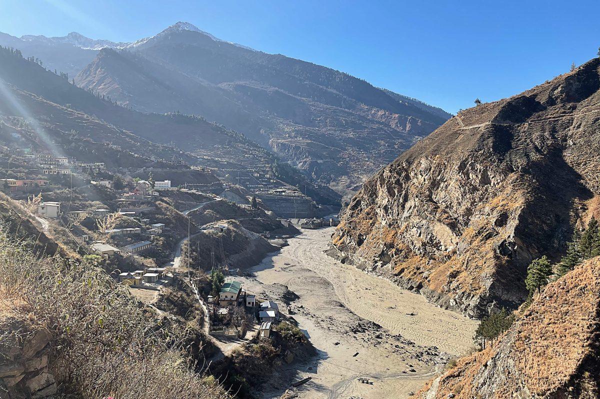 La ruptura de un glaciar en el Himalaya deja (hasta el momento) tres muertos y 150 desaparecidos