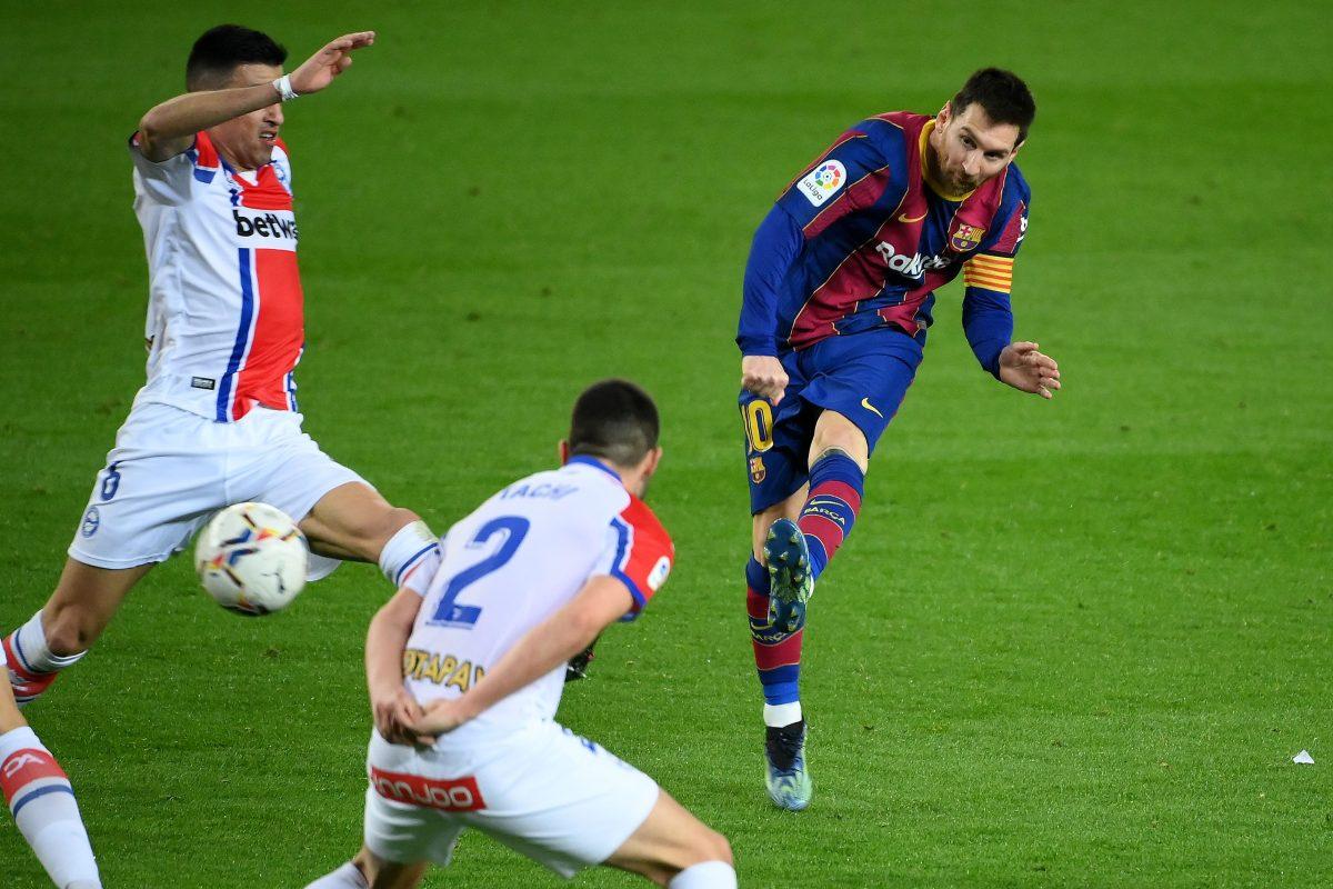 Messi mete presión a Luis Suárez en la pelea de artilleros en España