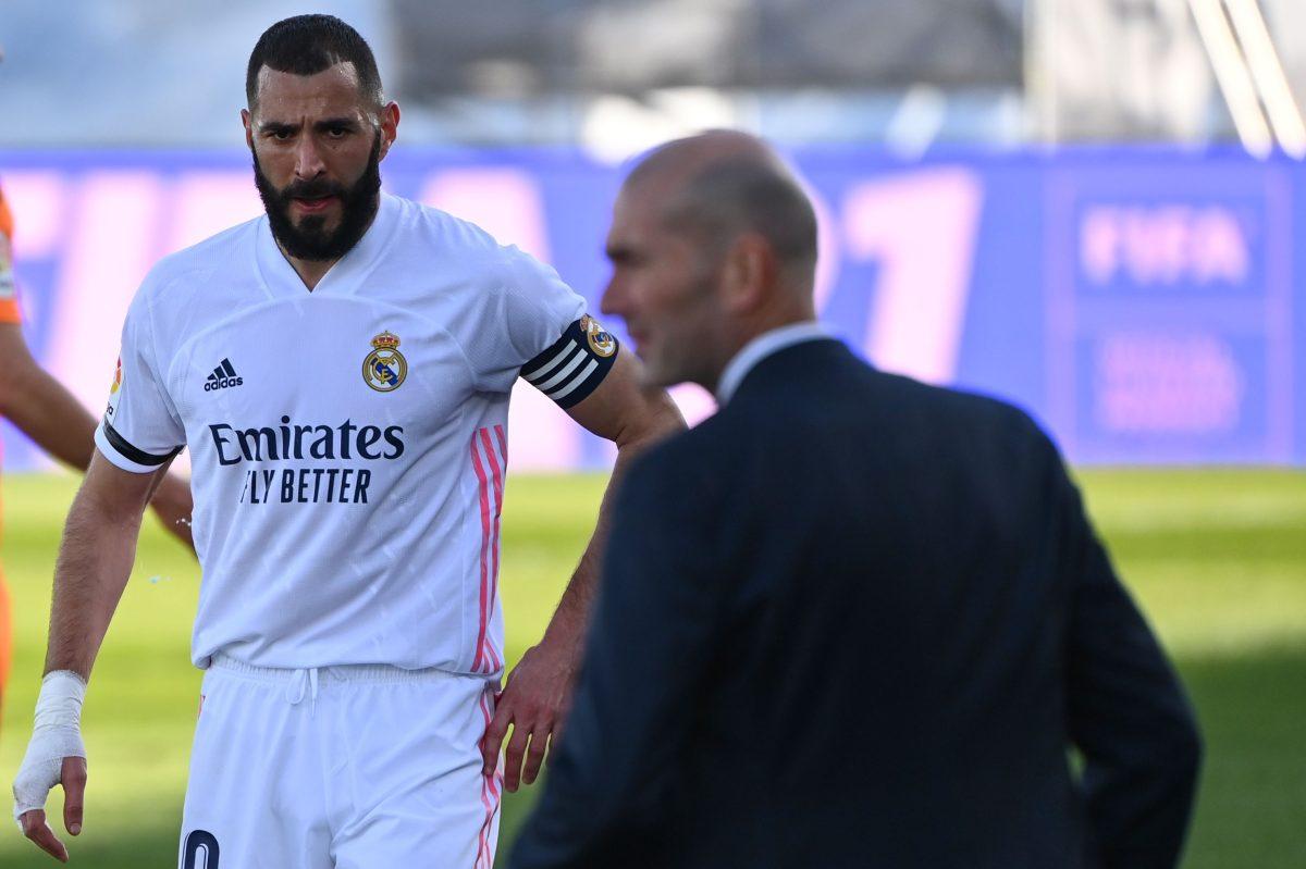 Serios problemas para el Real Madrid porque su goleador Karim Benzema se suma a la lista de lesionados; es duda para la Champions
