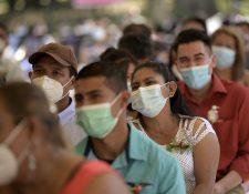 Las actividades sociales han estado restringidas en El Salvador a causa de la pandemia de coronavirus. (Foto Prensa Libre: AFP)