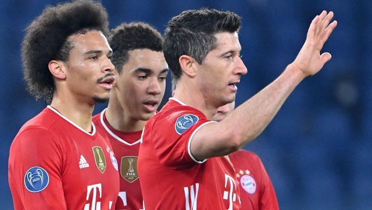 Leroy Sané, Robert Lewandowski y Jamal Musiel marcaron los tres goles del Bayern ante la Lazio. El cuarto fue un autogol. Foto Prensa Libre: AFP.