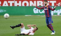 Gerard Pique habló sobre el resultado positivo frente al Sevilla y se mostró  optimista del futuro del Barcelona. (Foto Prensa Libre: AFP).