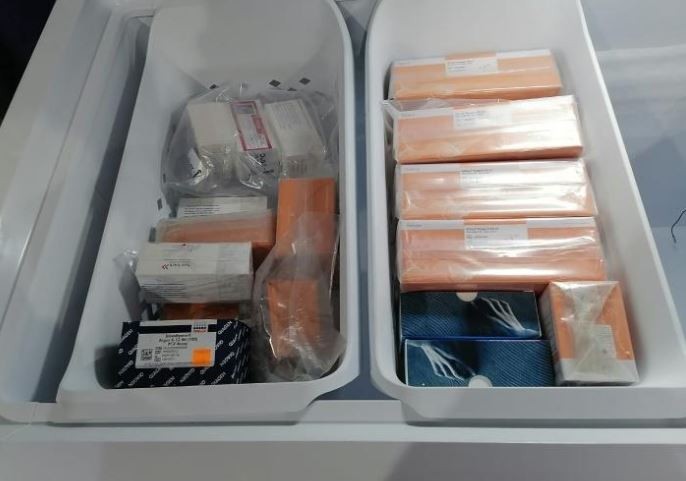 MP efectúa allanamientos en sede y bodegas de Kron y consigna pruebas para covid-19