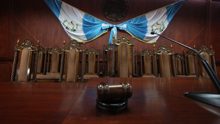 Sala de vistas de la Corte de Constitucionalidad donde se lleva acabo audiencia de distintos casos. El máximo tribunal es de suma importancia para el orden jurídico del país. (Foto Prensa Libre: Hemeroteca PL