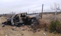 19 personas fueron halladas calcinadas en dos automóviles. Las víctimas viajaban hacia Estados Unidos. (Foto Prensa Libre: Tomada de Omnia)