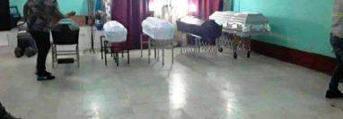 Los cuerpos de cinco integrantes de una familia, víctima de una matanza, son velados en Concepción las Minas, Chiquimula. (Foto Prensa Libre: Wilder López)
