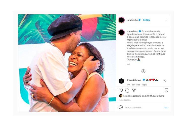 """El emotivo mensaje de Ronaldinho a su mamá: """"Fue una inspiración de fuerza y alegría para todos los que la conocieron"""""""