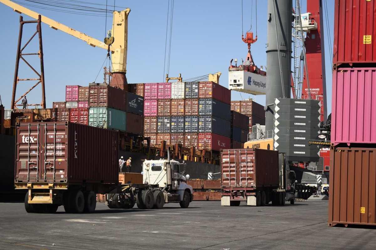 Cómo importar menos petróleo en 2020 arrojó el menor déficit comercial en 10 años