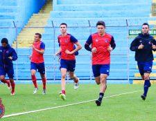 Los jugadores de Municipal durante el trabajo de la semana antes de enfrentar a Cobán. (Foto Municipal).