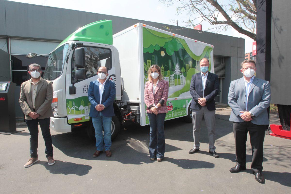 JAC Motors entregó los primeros camiones cien por ciento eléctricos en territorio guatemalteco